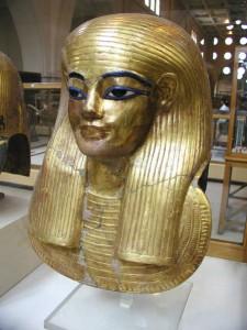 Mummy_mask_of_Yuya-photo-by-Jon Bodsworth-unrestricted-use